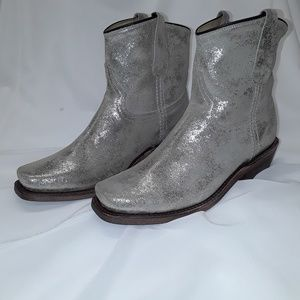 Gorgeous CoFi genuine leather boots